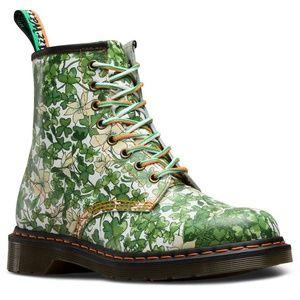 Dr. Martens Shamrock Green 1460W Boots Size 9